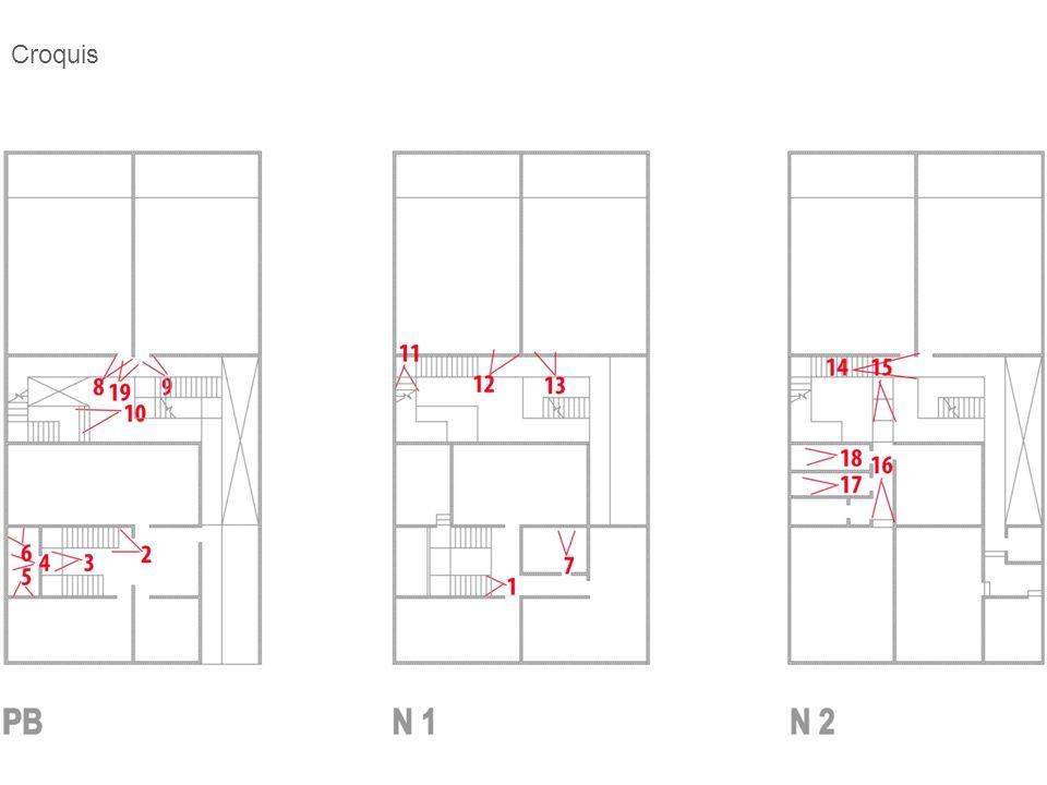 FotoProblemaSolución Escaleras principales-Las escaleras no cuentan con barandal doble -Colocar pasamanos continuo a ambos lados según la norma 6.1.2.1 de la NMX de accesibilidad.