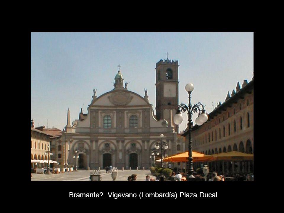 Bramante?. Vigevano (Lombardía) Plaza Ducal