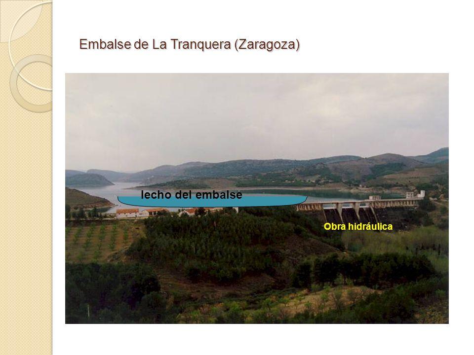 Embalse de La Tranquera (Zaragoza) Obra hidráulica lecho del embalse