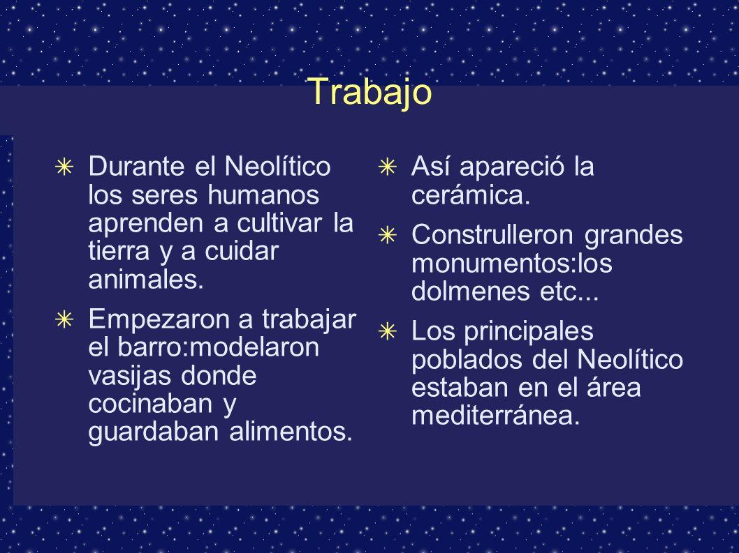 Organización social En el Paleolítico eran nómadas y en el Neolítico sedentarios (se quedaban a vivir en lugares fijos) Y entonces empezaron a construir poblados.Como ya vivìan en lugares fijos tenìan huertos y cuidaban los animales que tenìan delante o detràs de su casa.