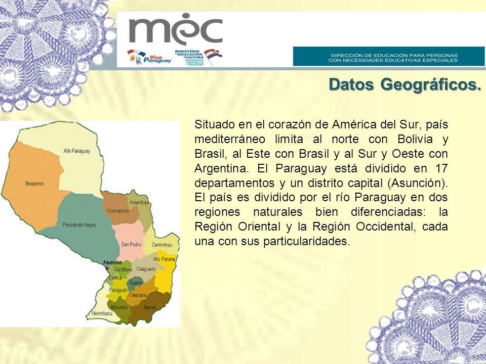 Situado en el corazón de América del Sur, país mediterráneo limita al norte con Bolivia y Brasil, al Este con Brasil y al Sur y Oeste con Argentina. E