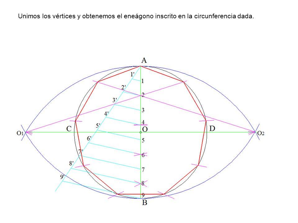 Unimos los vértices y obtenemos el eneágono inscrito en la circunferencia dada.