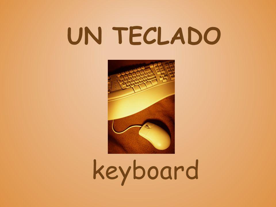 UN TECLADO keyboard