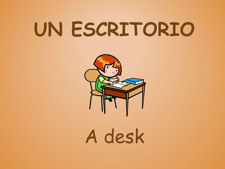 UN ESCRITORIO A desk