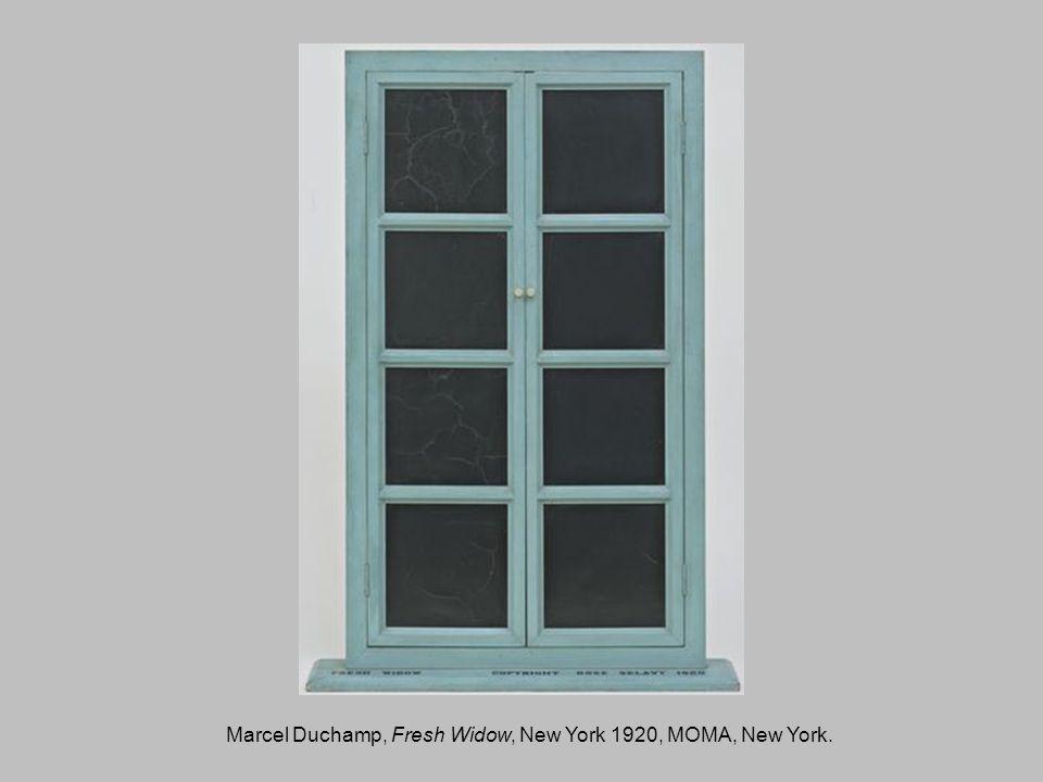 Marcel Duchamp, Fresh Widow, New York 1920, MOMA, New York.