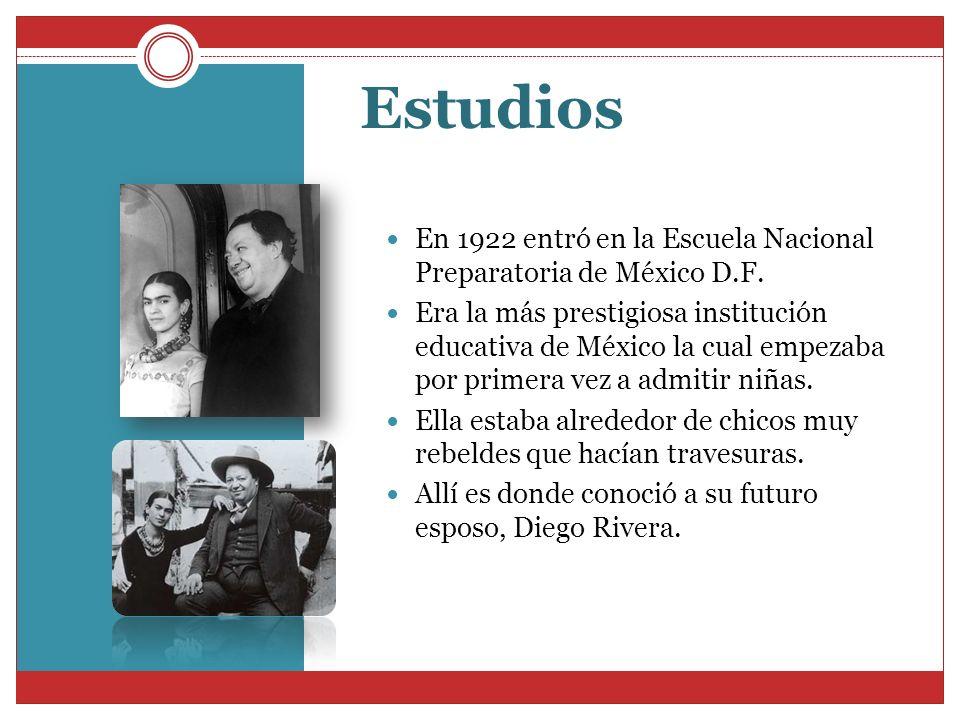 Estudios En 1922 entró en la Escuela Nacional Preparatoria de México D.F. Era la más prestigiosa institución educativa de México la cual empezaba por