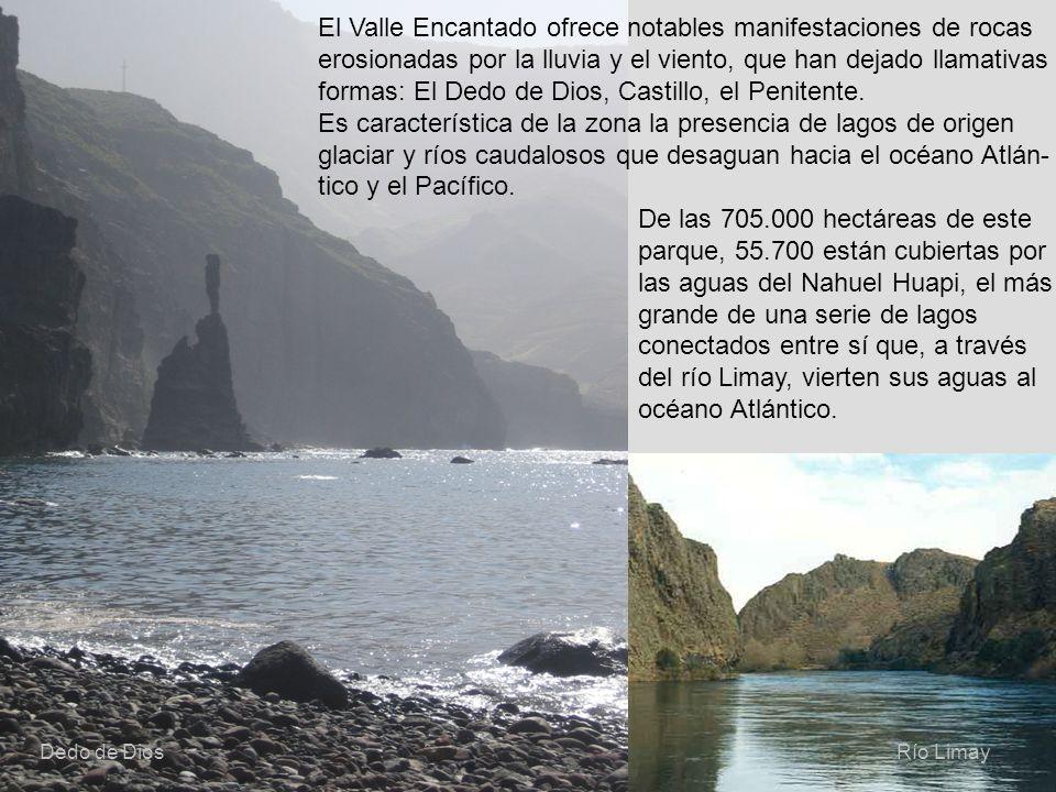 22 El Valle Encantado ofrece notables manifestaciones de rocas erosionadas por la lluvia y el viento, que han dejado llamativas formas: El Dedo de Dio