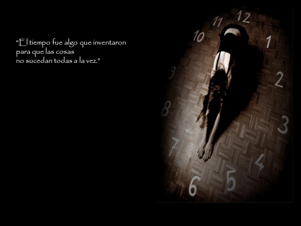 """""""El presente es una sombra que se mueve separando el antes del mañana. En el descansa la esperanza."""""""