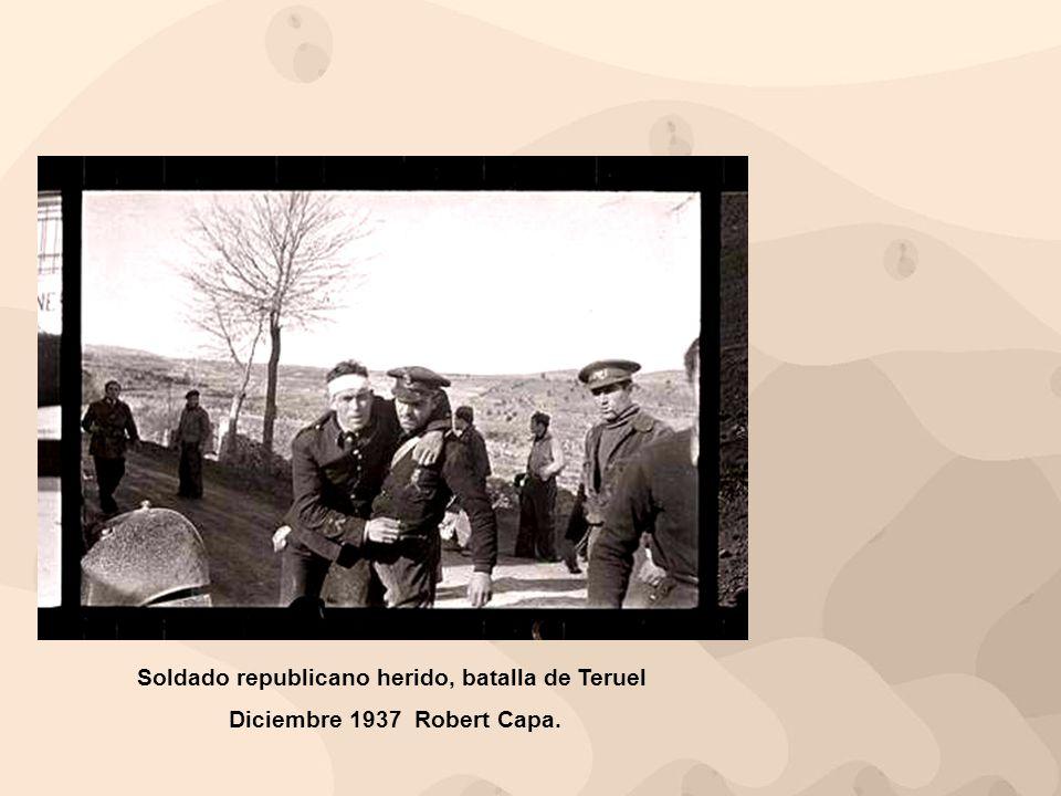 Soldado republicano herido, batalla de Teruel Diciembre 1937 Robert Capa.