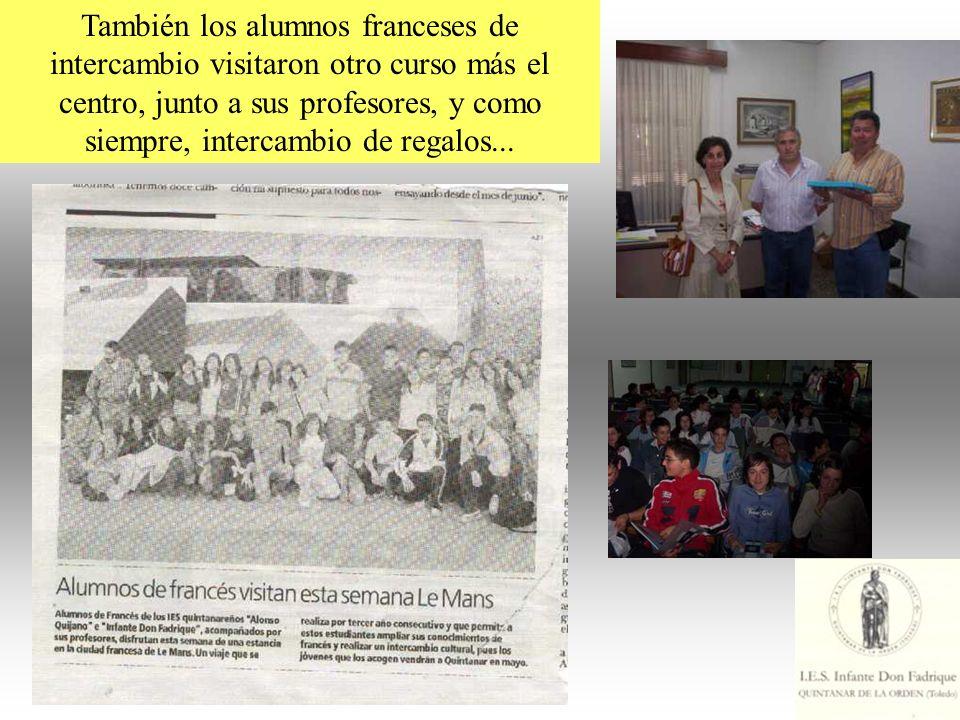 También los alumnos franceses de intercambio visitaron otro curso más el centro, junto a sus profesores, y como siempre, intercambio de regalos...