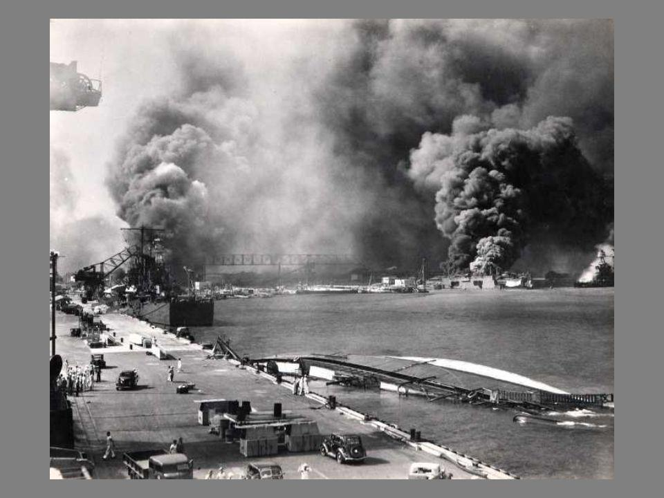 FOTOS ALMACENADAS EN UNA VIEJA CÁMARA BROWNIE Pensé que estas fotos serían muy interesantes; la calidad es de 1941. Fotos de Pearl Harbor almacenadas