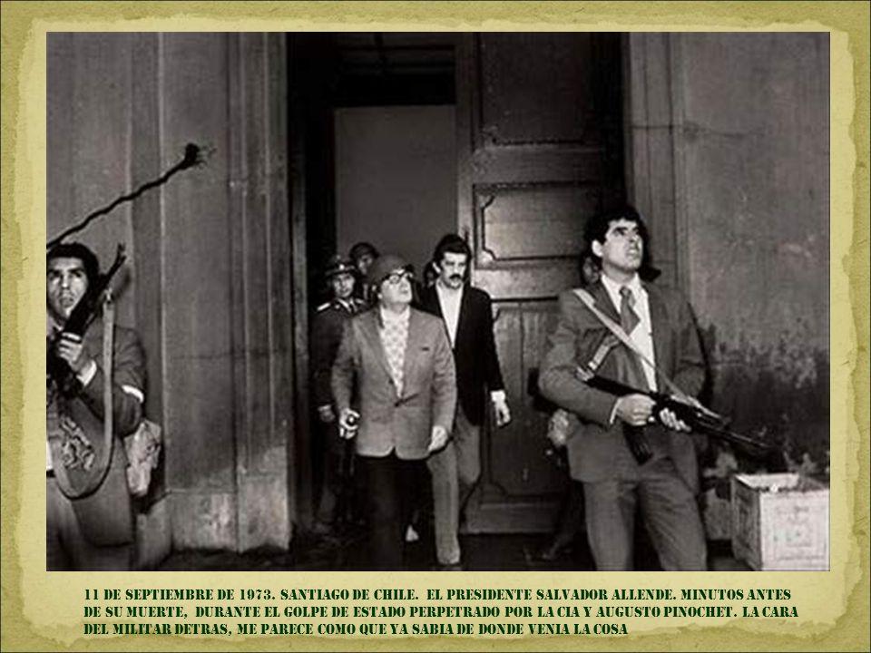 8 DE junio de 1972. trang bang, Vietnam. Niña quemada durante un bombardeo con napalm a la población civil, EFECTUADO por el ejército de EEUU. Mi papa