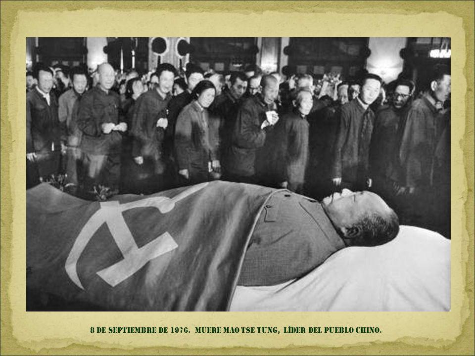 11 de septiembre DE 1973. SANTIAGO DE CHILE. El presidente Salvador Allende. minutos antes de su muerte, durante el golpe de estado PERPETRADO POR LA