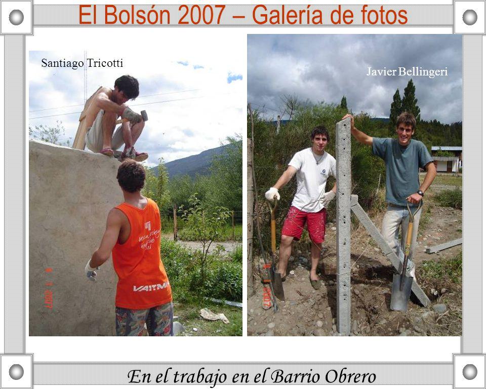 En el trabajo en el Barrio Obrero El Bolsón 2007 – Galería de fotos Santiago Tricotti Javier Bellingeri