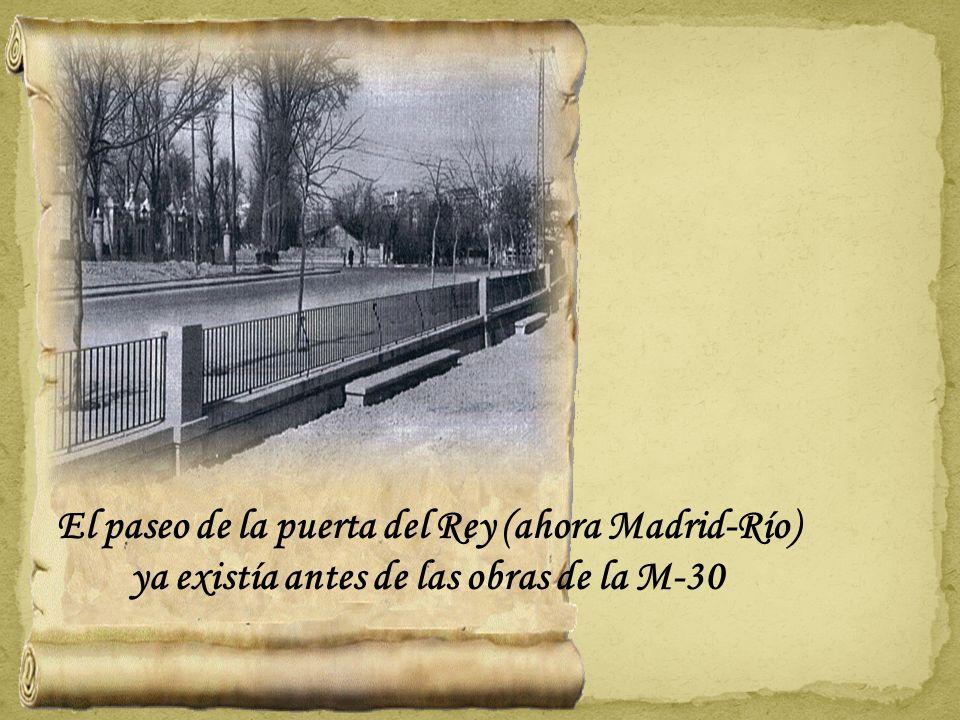 Detalle de la farolas instaladas durante la II República que adornaban la puerta principal y misteriosamente desaparecidas..