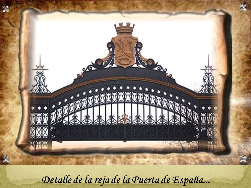 Maravillosa Puerta de España en el Retiro