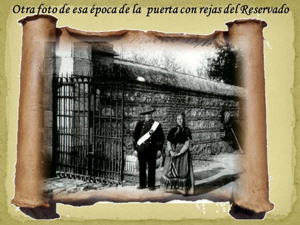 La entrada a la Casa de Campo por la Puerta del Rey con la Casa de los Vargas al fondo. Posiblemente hacia 1930