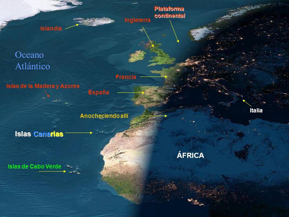 ¡QUE ESPECTÁCULO! Ver el anochecer de Europa y Africa, en un día sin nubes, desde un satélite en órbita. Observar como las luces ya estan encendidas e