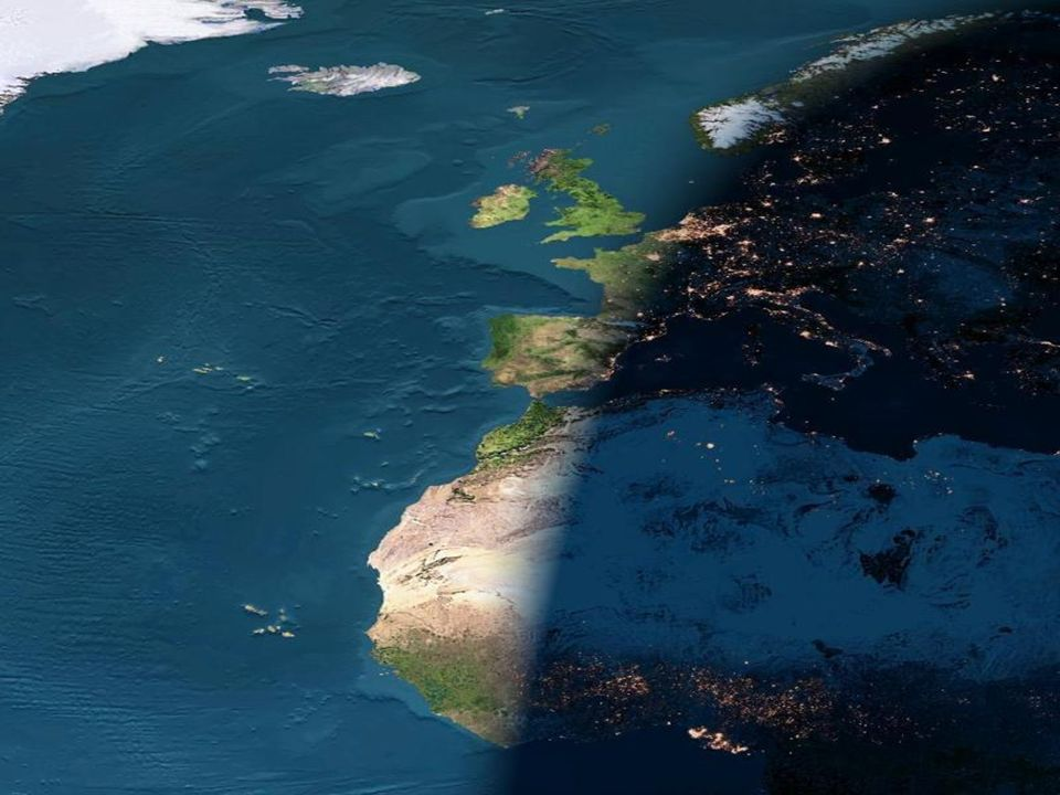 La noche entra en Europa y Africa occidental