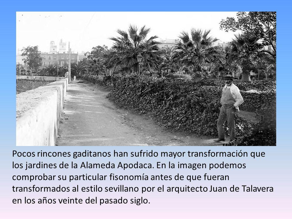 El enorme muñeco con la imagen de Pepe `El sopa decoró la plaza de San Juan de Dios durante las Fiestas Típicas de 1967.