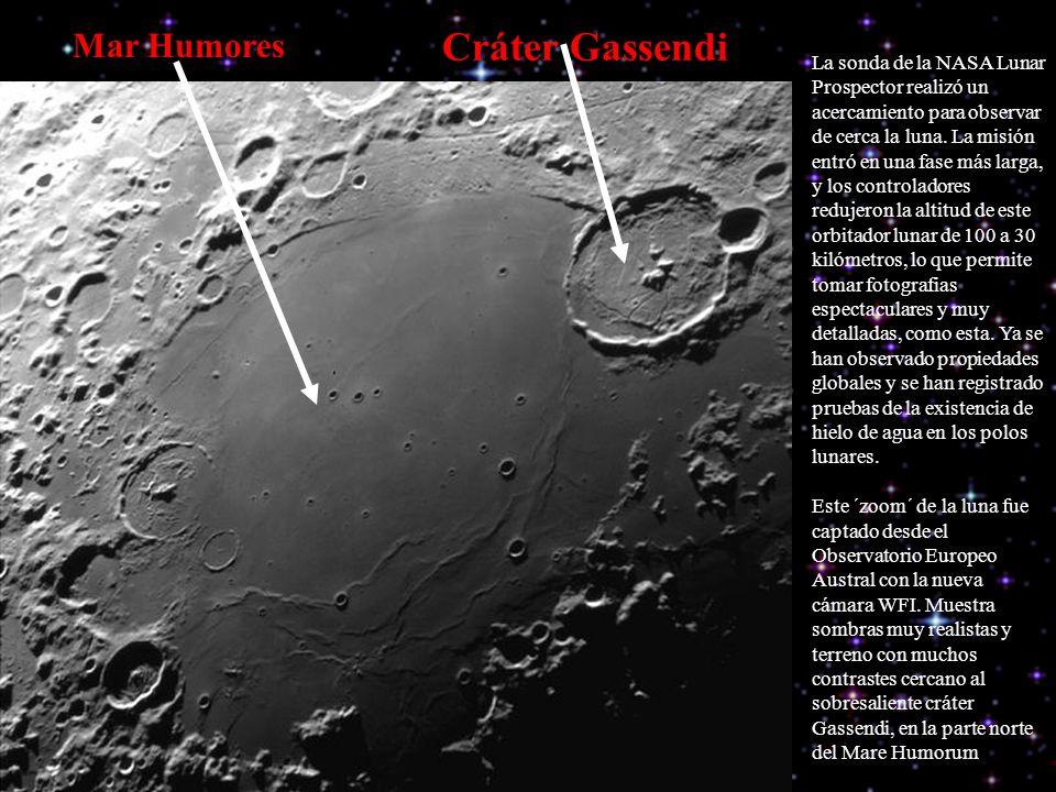 La sonda de la NASA Lunar Prospector realizó un acercamiento para observar de cerca la luna.