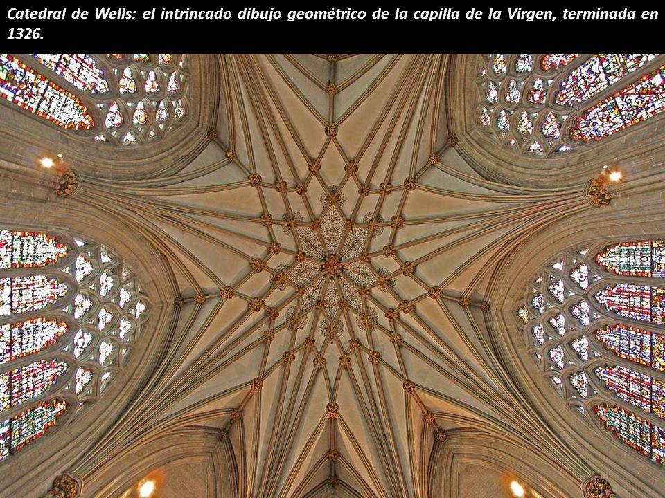 Catedral de Wells: el intrincado dibujo geométrico de la capilla de la Virgen, terminada en 1326.