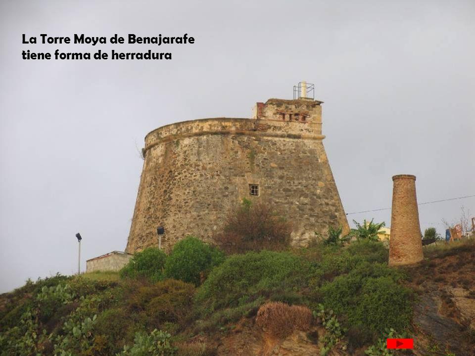 La Torre Moya de Benajarafe tiene forma de herradura