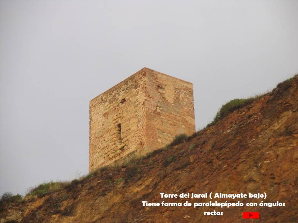 Torre del Jaral ( Almayate bajo) Tiene forma de paralelepípedo con ángulos rectos