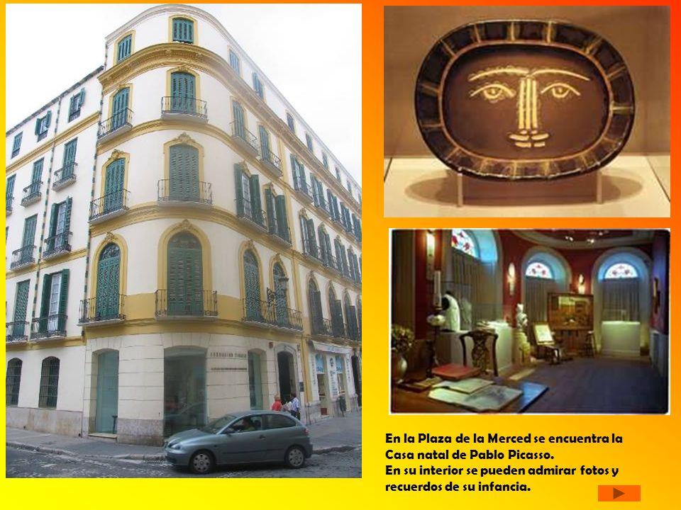 En la Plaza de la Merced se encuentra la Casa natal de Pablo Picasso. En su interior se pueden admirar fotos y recuerdos de su infancia.