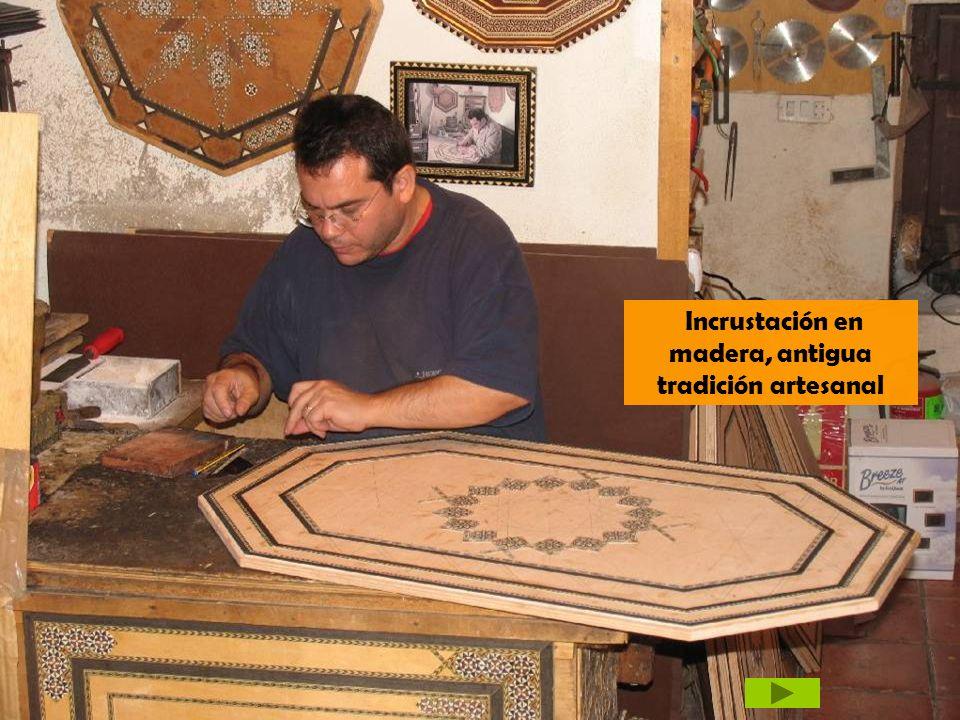 Incrustación en madera, antigua tradición artesanal
