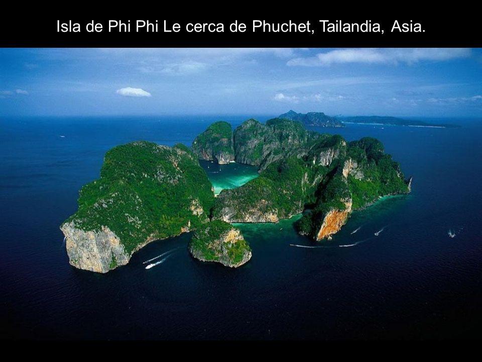 Isla de Phi Phi Le cerca de Phuchet, Tailandia, Asia.