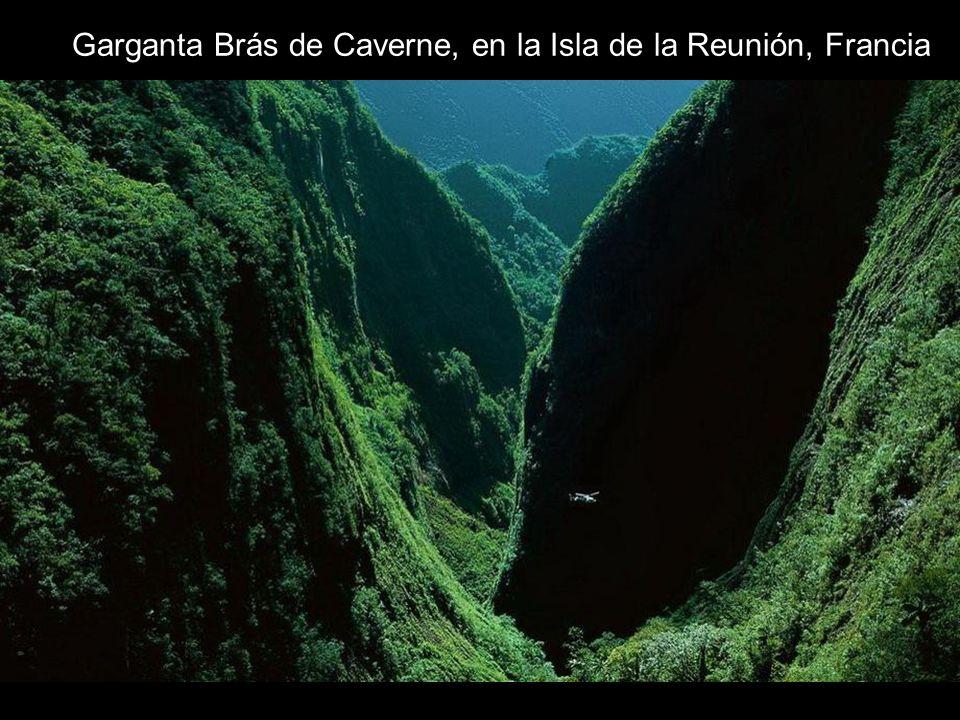 Garganta Brás de Caverne, en la Isla de la Reunión, Francia