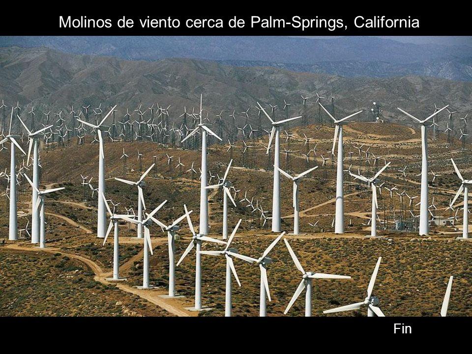 Molinos de viento cerca de Palm-Springs, California Fin