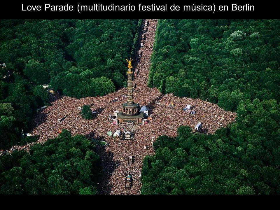 Love Parade (multitudinario festival de música) en Berlin