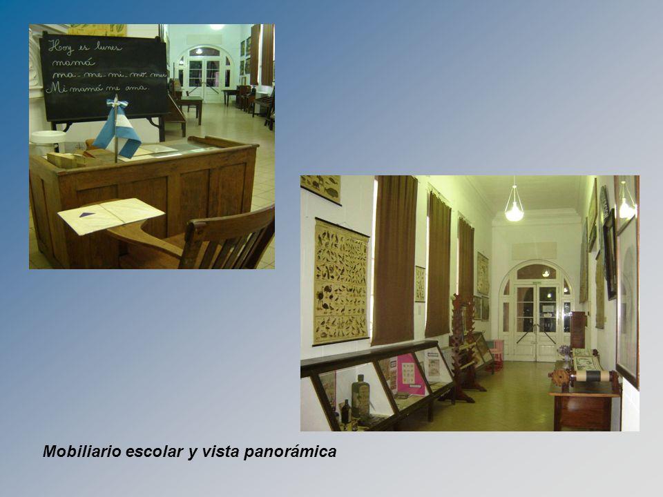 Mobiliario escolar y vista panorámica