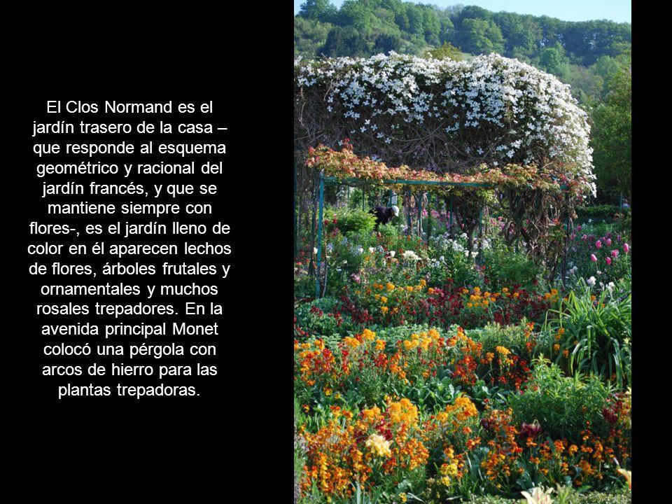 Monet transformó el huerto Le Clos Normand creando unos jardines a su gusto, edificó tres invernaderos, en uno de los cuales, un antiguo granero, colo