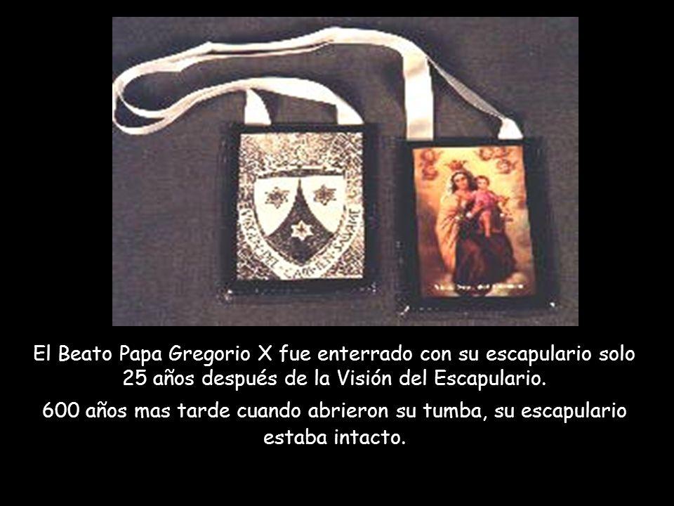 TESTIMONIOS: Es evidente que la Virgen María quiere revelarnos de manera especial el escapulario. Reportó Sor Lucia (vidente de Fátima), que en la últ