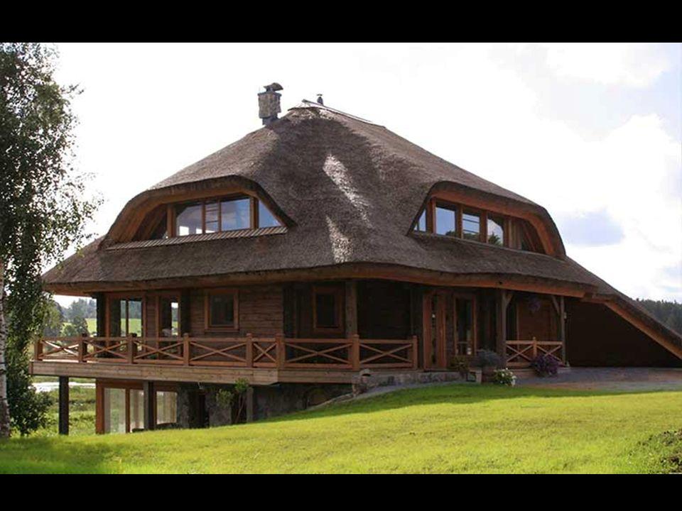 En el concepto de cada casa se permiten cuatro tipos de cubiertas - techos de paja, troncos tallados, cerámica o baldosas de cemento. Esto no quiere d