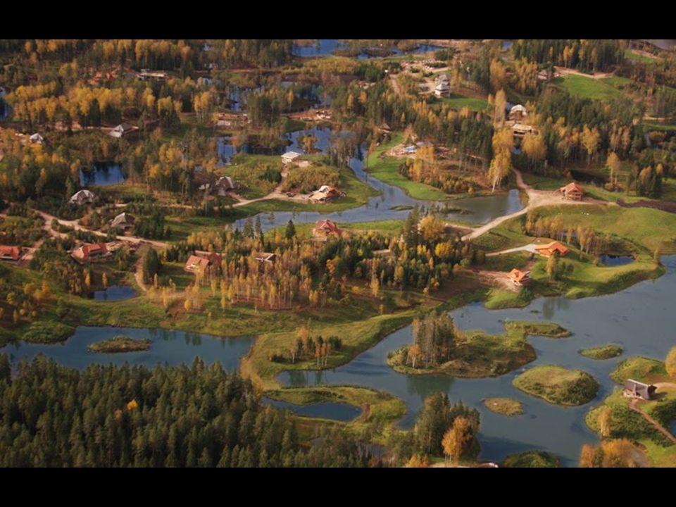 Amatciems se encuentra a 80 km de Riga, la capital de Letonia, y a 12 km de Cēsis que tiene unos 20.000 habitantes, si lo que quieres es comprarte una