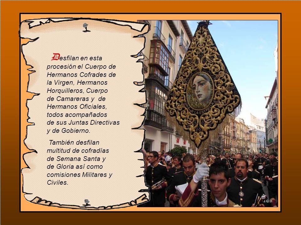 Es normal que la cabeza de la procesión llegue de nuevo al punto de partida antes de que la Virgen haya efectuado su salida.
