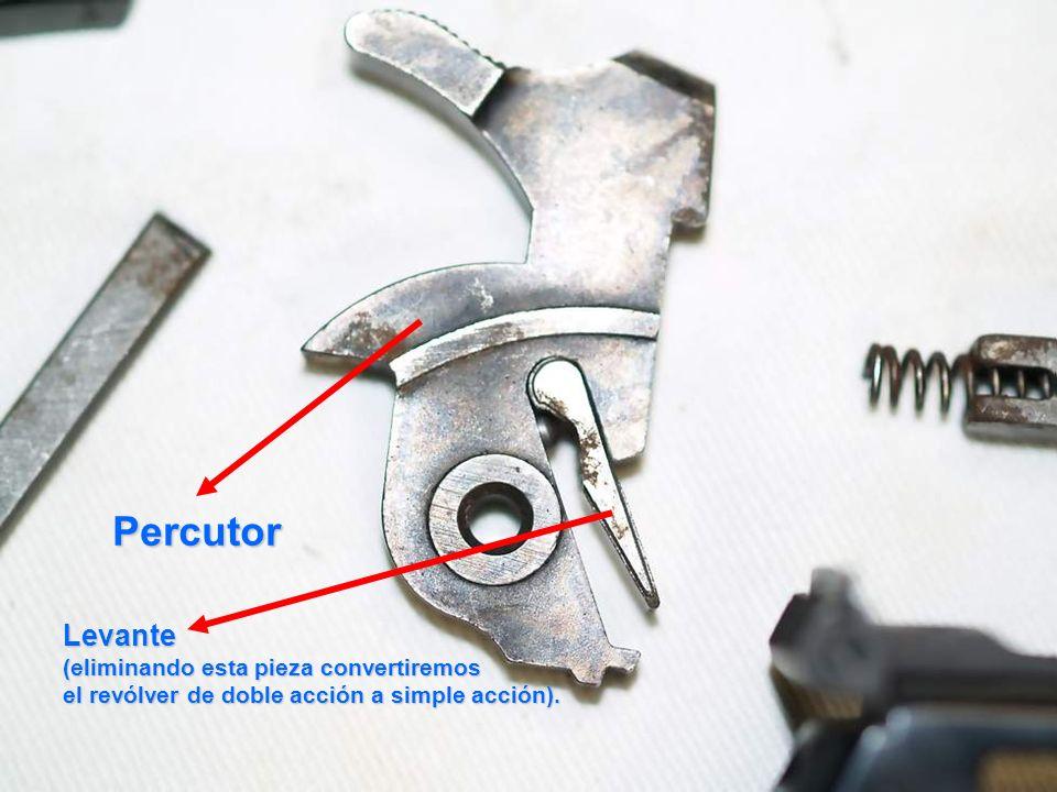 Percutor Levante (eliminando esta pieza convertiremos el revólver de doble acción a simple acción).
