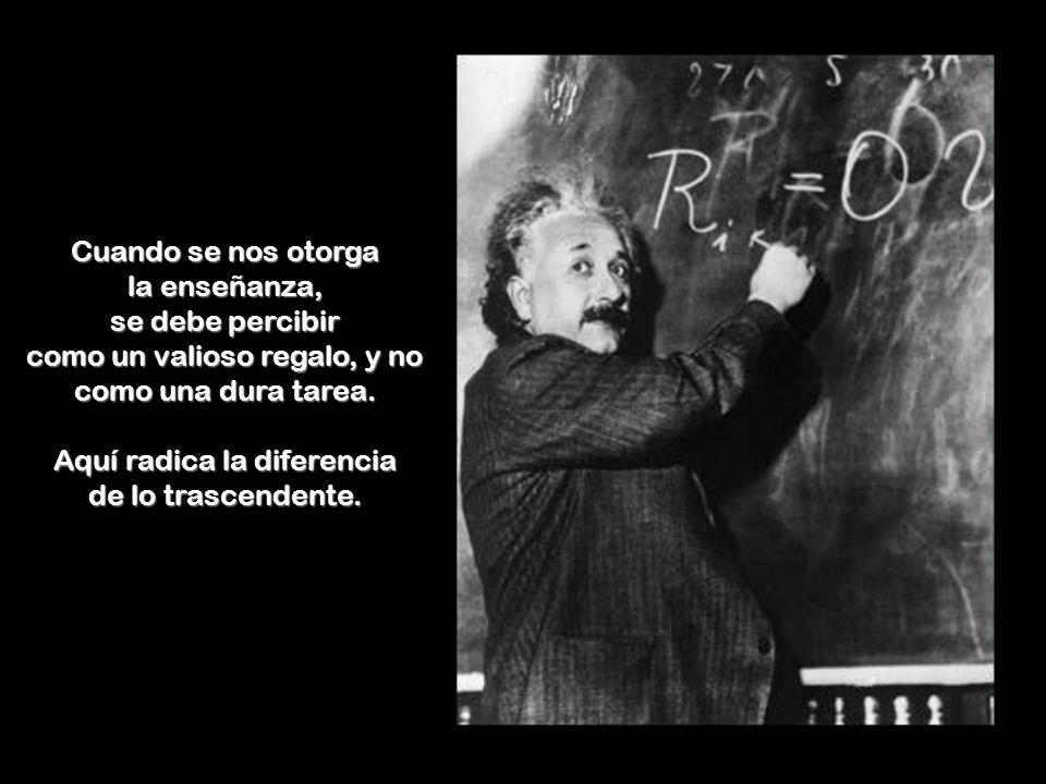 Una bella dama conociendo el intelecto de este destacado científico, le planteó la siguiente posibilidad : Señor Einstein, con su inteligencia, y con