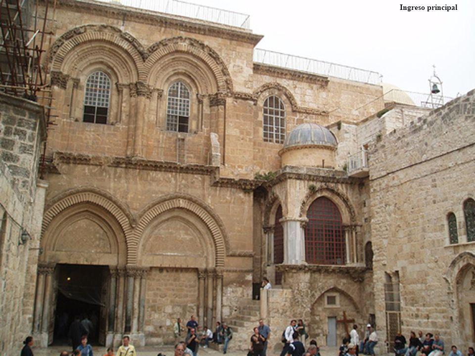 El Santo Sepulcro es un sitio religioso relacionado especialmente con el cristianismo, particularmente católicos y ortodoxos. El lugar, llamado tambié