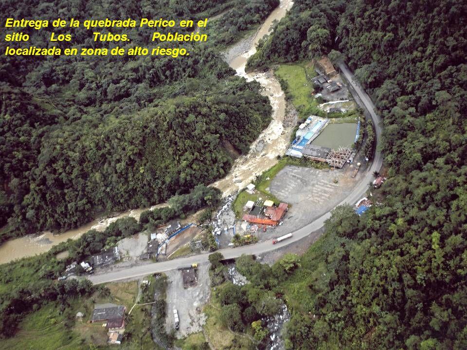 Entrega de la quebrada Perico en el sitio Los Tubos. Población localizada en zona de alto riesgo.
