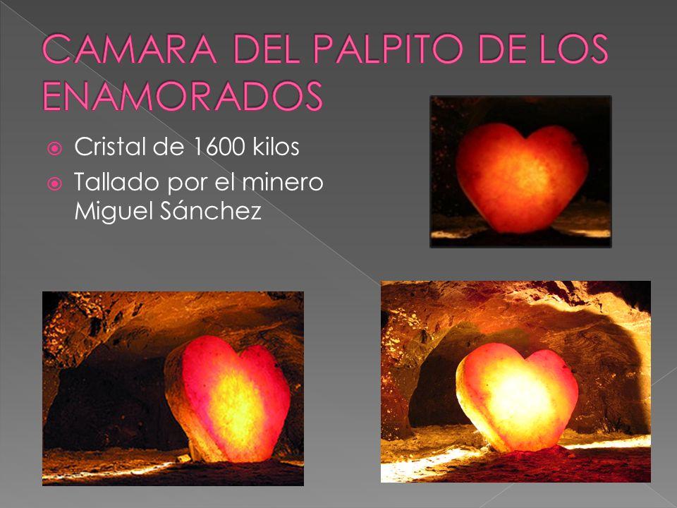 Cristal de 1600 kilos Tallado por el minero Miguel Sánchez