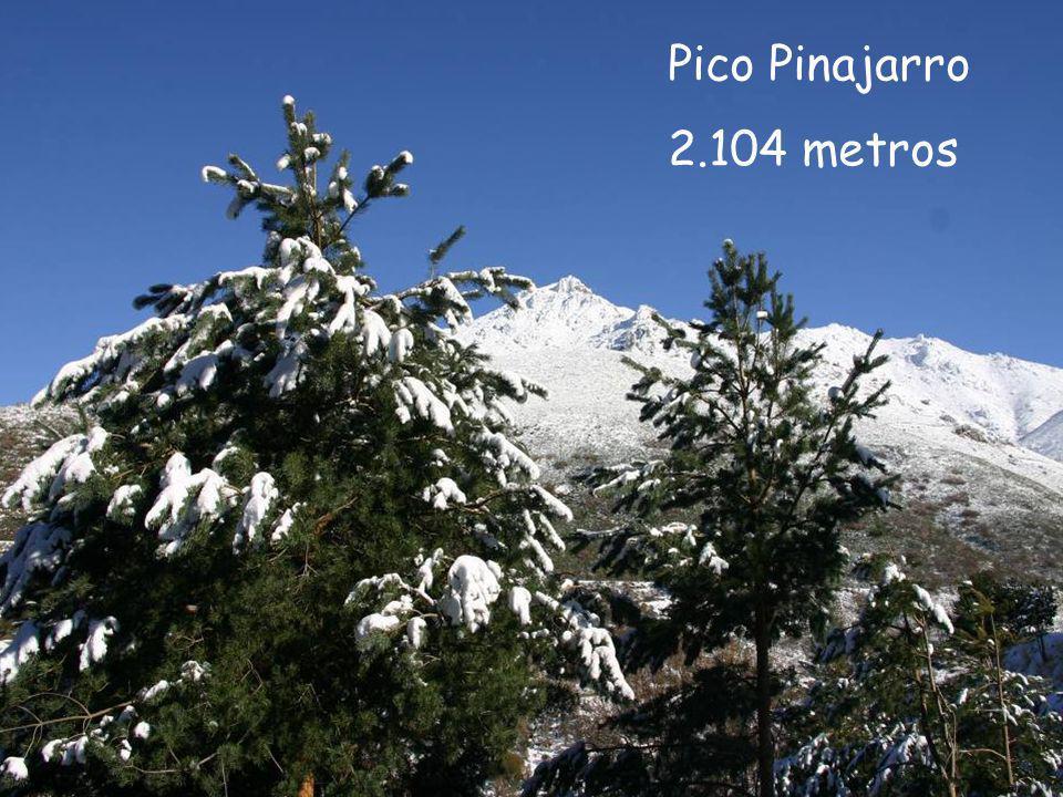 Valle del Ambroz (Cáceres) con cimas montañosas de mas de 2.000 m