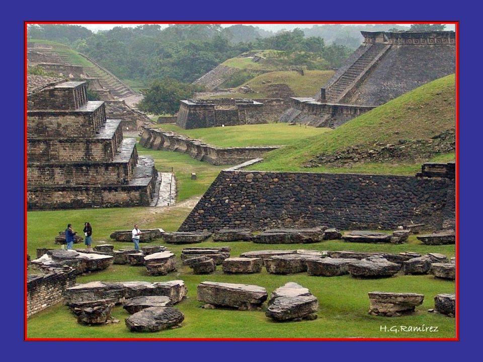 Este sitio arqueológico abarca una extensión de 10 km2 y su centro principal se extiende en 144 hectáreas, y a la fecha se han remozado cerca de 180 e