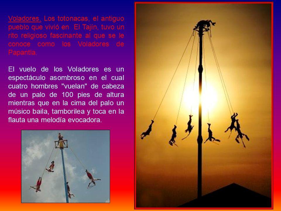 Según cuentan los ancianos totonacos, la leyenda de Callimaxtla se refiere a un niño huérfano que anda perdido en el monte; buscando gente, escucha el