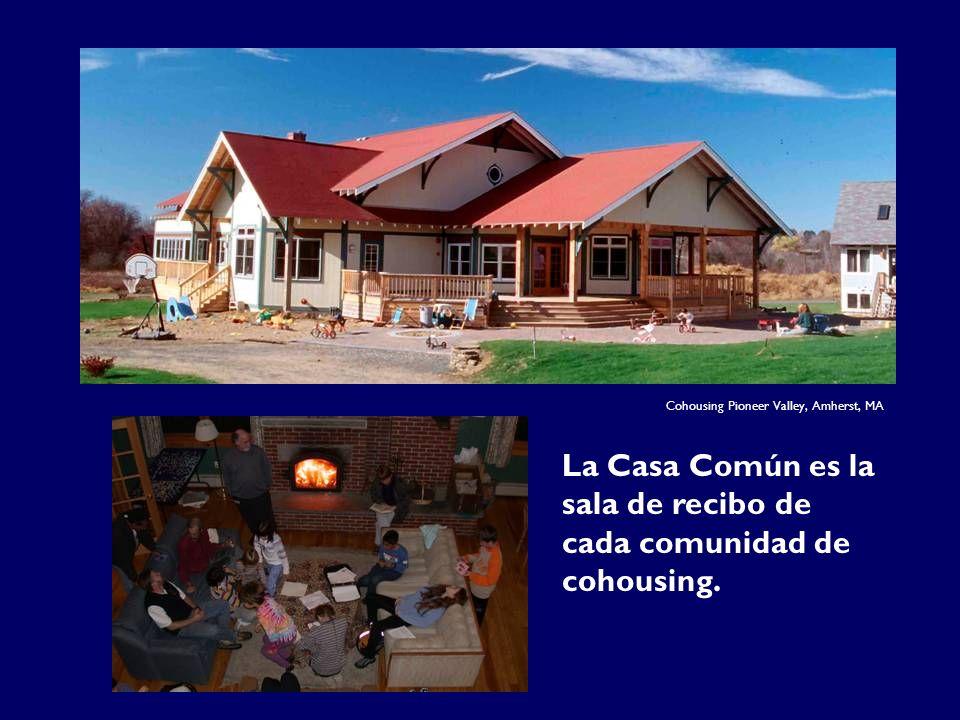 La Casa Común es la sala de recibo de cada comunidad de cohousing. Cohousing Pioneer Valley, Amherst, MA