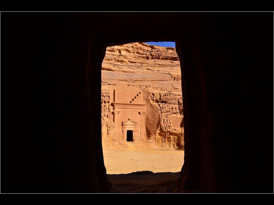 Antiguamente habitada por thamudis y nabateos, Madain Saleh es el primer sitio de lo que hoy es Arabia Saudí, inscripto como Patrimonio de la Humanida
